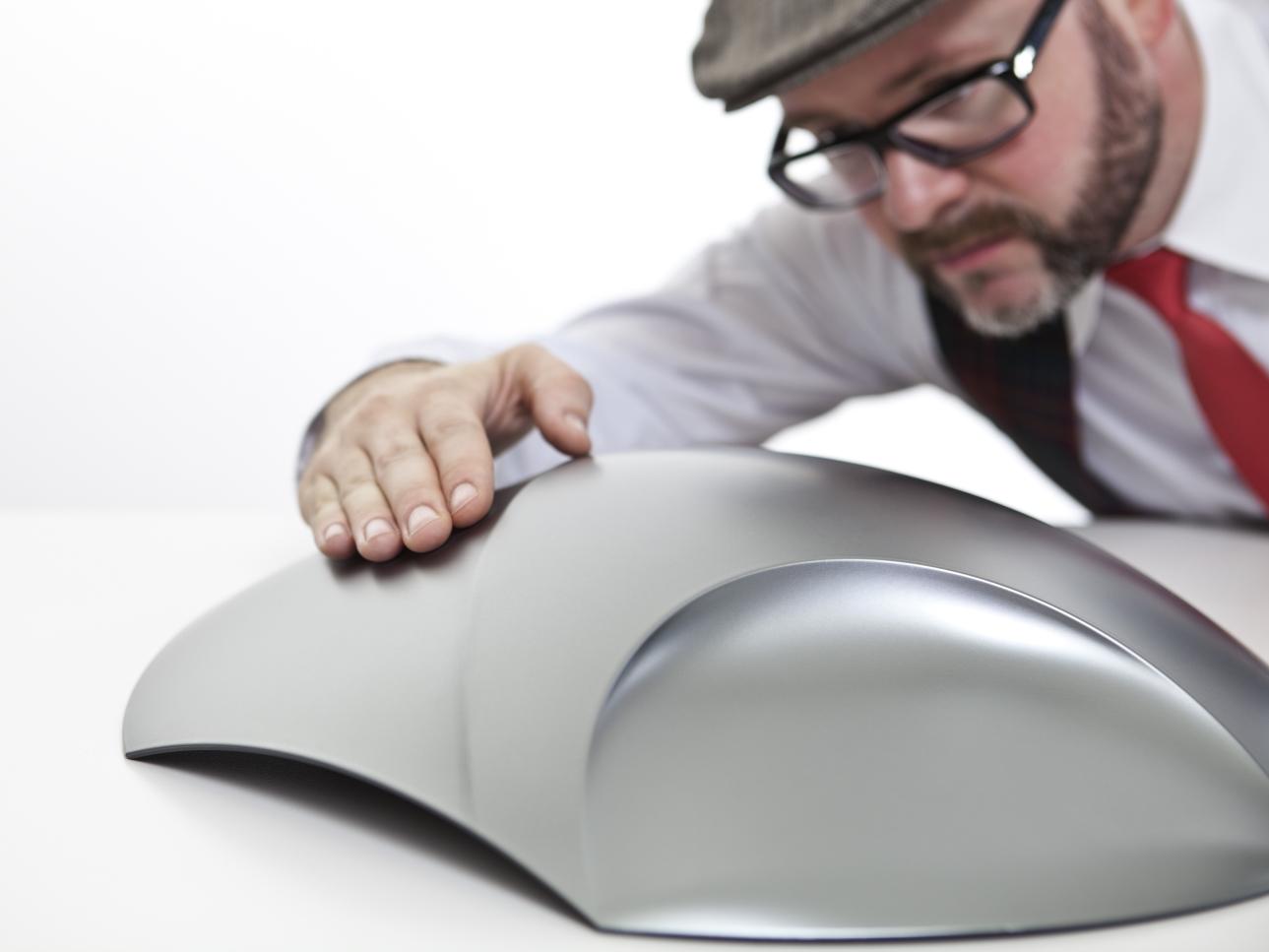 video liquid metal fl ssiges metall als autolack. Black Bedroom Furniture Sets. Home Design Ideas