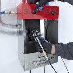 Einfaches und zeitsparendes Reinigen Ihrer Lackierpistolen mit dem neuen SATA clean RCS compact.