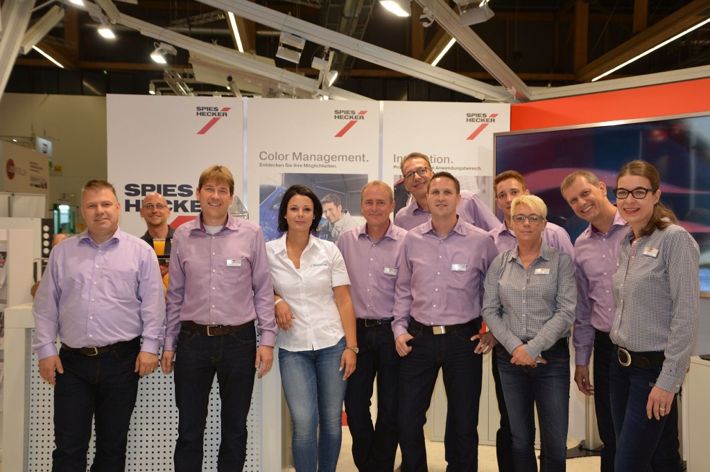 SH_PR_10_2014_Automechanika_Team