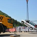 Auto hängt und Scheibe hält - der neue PowerCure Klebstoff von Sika