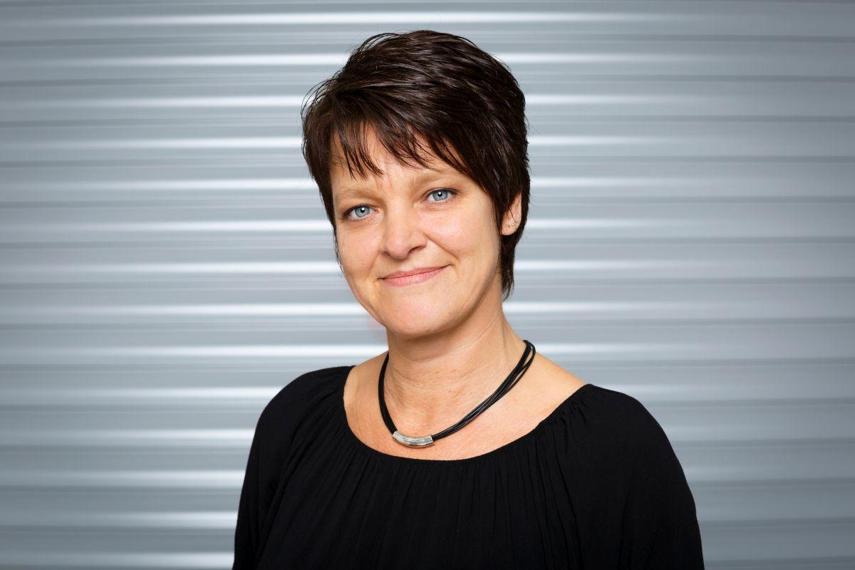 esther-baumhoff-leitet-die-kommunikation-von-standox-deutschland