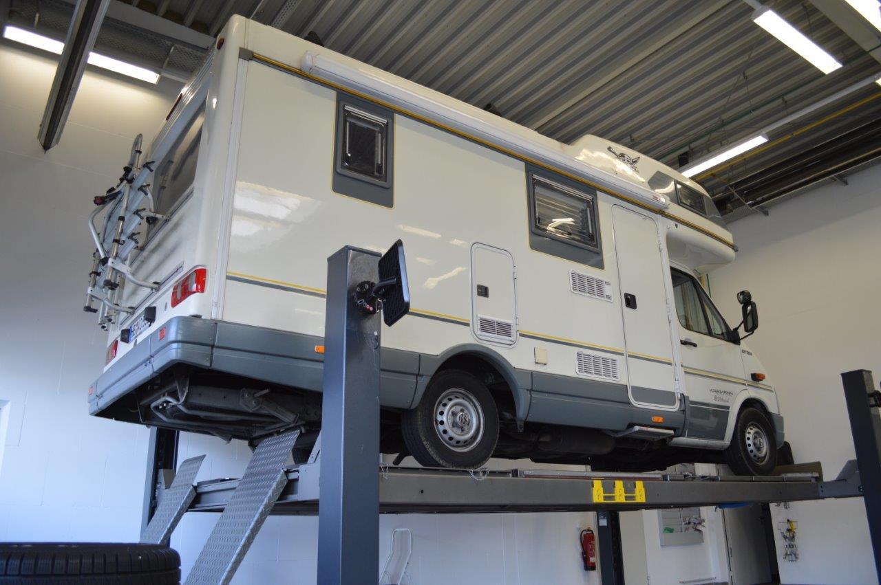 caravan-lackreparatur-vorsicht-materialmix-spies-hecker-unterstuetzt-mit-tipps