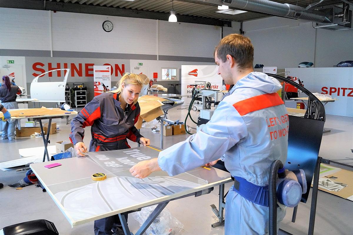 bestnoten-fuer-frauen-im-bundesleistungswettbewerb-fuer-nachwuchslackierer