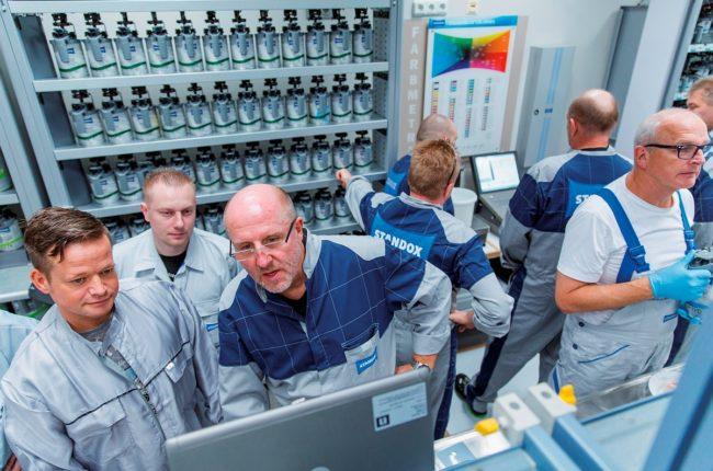 neues-standox-fortbildungsprogramm-fuer-werkstatt-und-backoffice